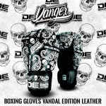 signature-gloves-vandal (4)