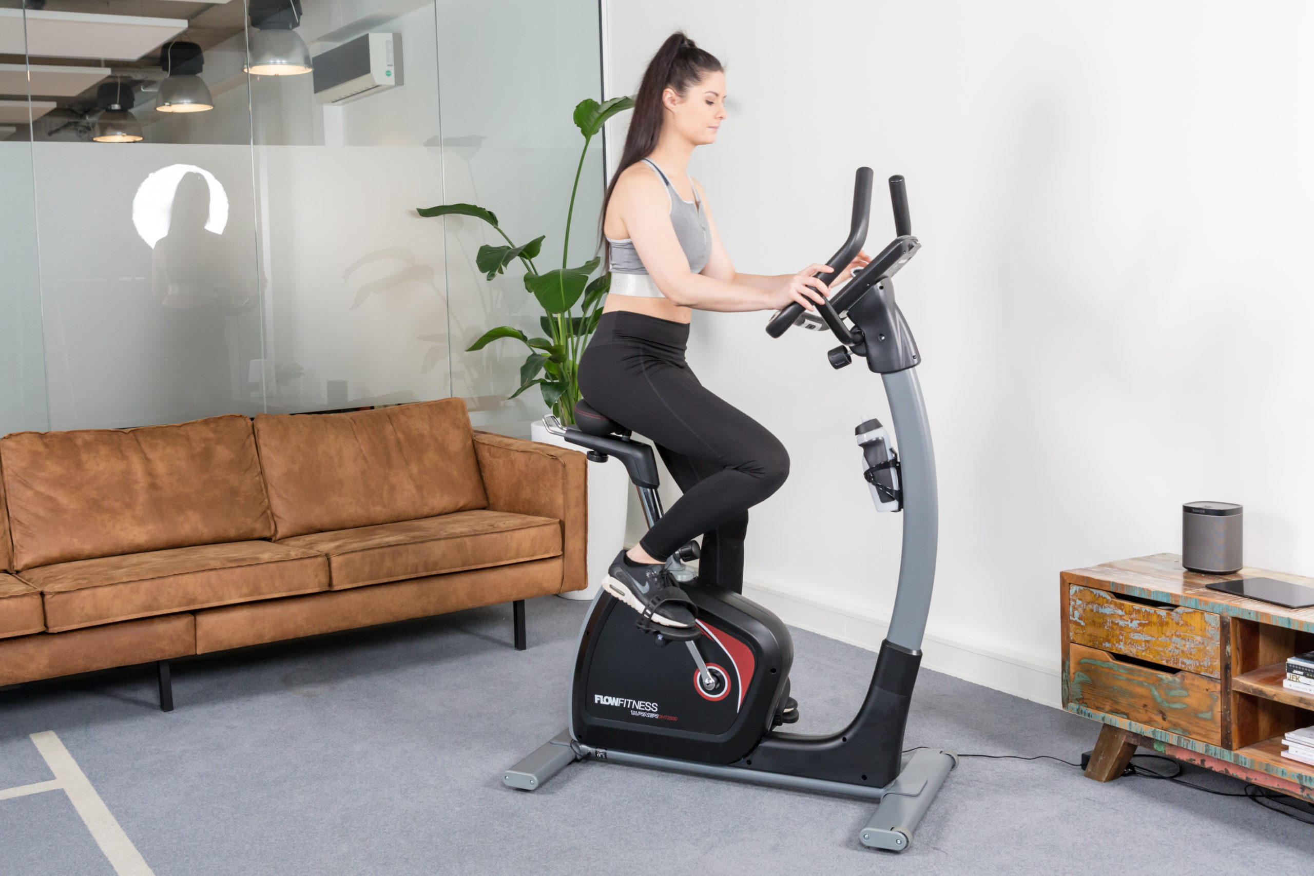 Flow Fitness Tabel Turner DHT2500i Hometrainer 13
