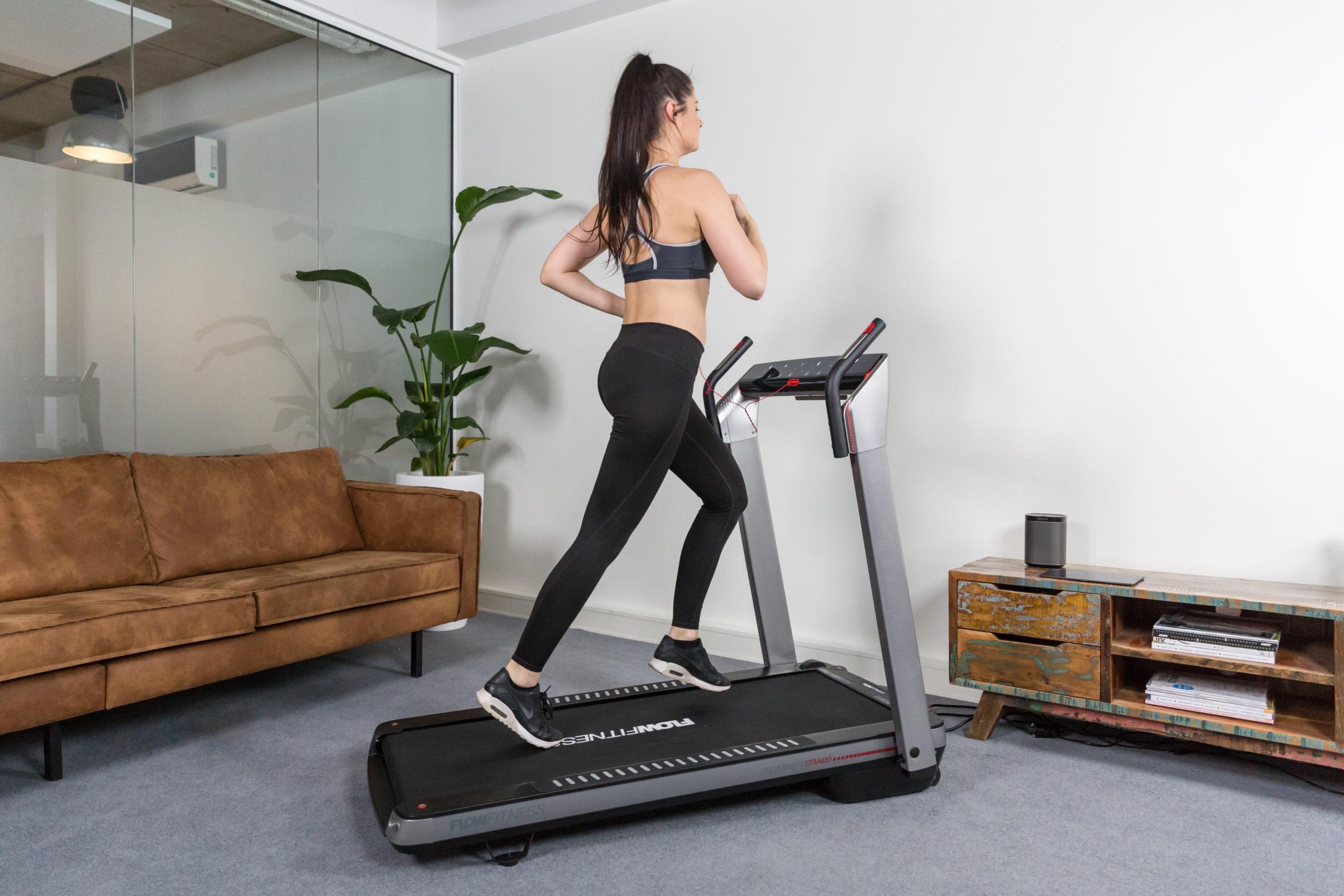 Flow Fitness Tabel Runner DTM400i loopband 11